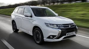 outlander mitsubishi 2017 2017 mitsubishi outlander phev review top gear