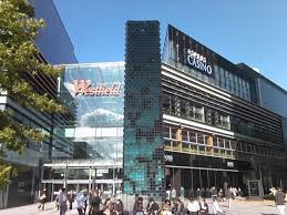 knifeman arrested at stratford westfield shopping centre daily