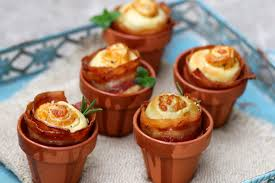flower pot bread rolls with cheddar cheese herbs and crispy bacon