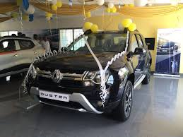 renault duster 2017 white renault launches updated petrol automatic duster suv in india