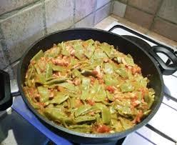 idee plat a cuisiner haricots plats à la tomate et au lard recette de haricots plats