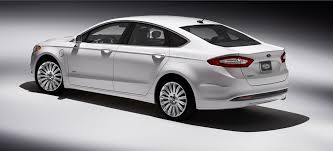 2013 ford fusion vs hyundai sonata dailytech ford s 2013 fusion hybrid clobbers the competition