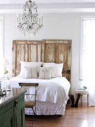 White Painted Headboard by Diy Pallet Headboard Ideas For Modern Bedroom With Natural Wooden