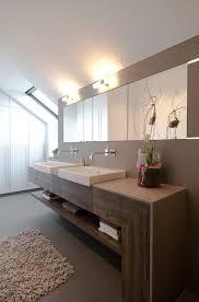 badezimmer einbauschrank die besten 25 badmöbel ideen auf holzregal bad bad