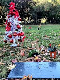 gravesite decorations gravesite decorations beautiful christmas decorations on grave