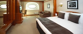 London Hotel With Jacuzzi In Bedroom Yacht Suite Hotel Rooms Sunborn London