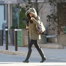 meghan markle u0027s snowstorm look is all about the accessories