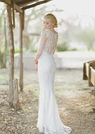 hawaii weddings dress accentuate perfect figure of brides share