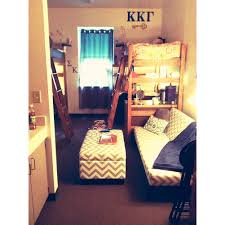 Small College Bedroom Design Dorm Room Life This Set Up Could Totally Work In An Umkc Dorm