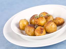 cuisiner les pommes de terre de noirmoutier bonnotte de noirmoutier rôtie à la fleur de thym et concours pommes