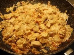 cuisiner des escalopes de poulet recette escalope de poulet à la crème tomate et chignon 750g