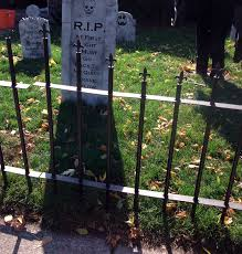 cemetery fence halloween prop thrifty crafty october 2011