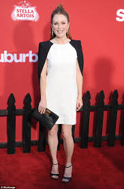 how does natalie morales style her hair natalie morales julianne moore harassed by james toback daily