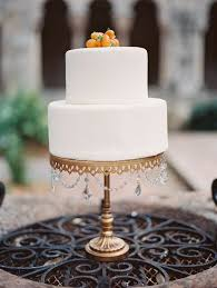 gold wedding cake stand white wedding cake on gold cake stand