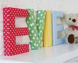 lettres décoratives chambre bébé arrangement de lettre décorative murale archzine fr