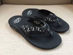 reef fanning flip flops womens reef fanning flip flops bottle opener black white womens size 7 new