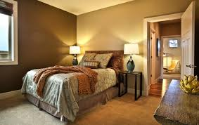 what were the paint colors on the bedroom walls