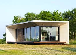 Green Homes by Eco Friendly Avalon House Is A Green Roofed Beach Getaway That