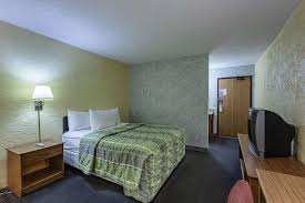 Comfort Inn Oak Creek Wi Days Inn Oak Creek Wi Booking Com