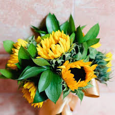sunflower wedding ideas sunflower wedding flower ideas in season now brides