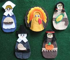 thanksgiving felt board set with laminated by handfulofpuppets