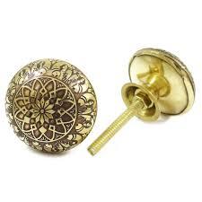 Decorative cabinet door knobs