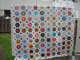 flower garden quilt pattern grandmothers flower garden almost finished