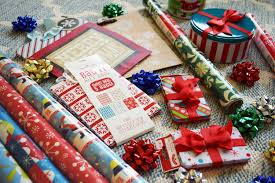 best gift wrap how to throw the best gift wrapping party y girl