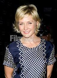 back view of amy carlson hair amy carlson celebrity tvguide com hair styles pinterest amy