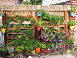 Recycling Garden Ideas Make Your Living Blissful And Attractive With Organic Gardening