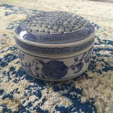 Frog Flower Vase Twos Company Porcelain Blue U0026 White Asian Frog Flower Vase Trinket