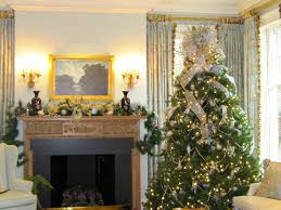 tree topper in family room traditional with burlap