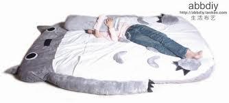 Giant Totoro Bed I Need That Giant My Neighbor Totoro Sleeping Bag Bed Geekologie