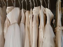 sell your wedding dress for free how to sell your wedding dress at exclusive wedding decoration and