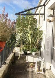 comment fermer une pergola 10 astuces pour se protéger des regards au jardin marie claire