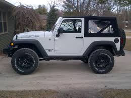 white jeep 2016 white 2 door jeep wrangler with black rims google search jeeps
