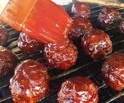 cuisiner des boulettes de boeuf recette de boulettes de viande sur le bbq facile et délicieuse