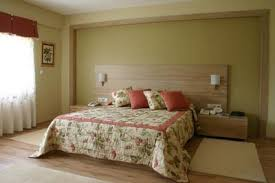 tips on choosing the right paint color for the master bedroom