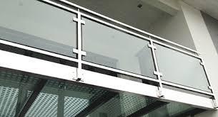 edelstahl balkon mit glas geländer terrassenanlage höchst