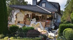 Wohnhaus Stade Wohnhaus Explodiert Zwei Personen Verletzt Regional
