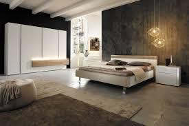 Schlafzimmer Aus Holz Moderner Kleiderschrank Lackiertes Holz Massivholz Falttüren