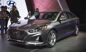 kereta hyundai elantra 2015 2018 hyundai sonata photos and info news car and driver