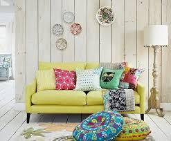 deco canapé 20 salons avec un canapé jaune joli place