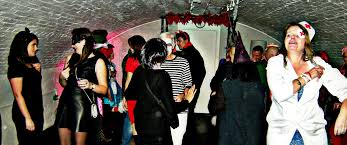 halloween party photo the putney social halloween party under putney bridge 28th