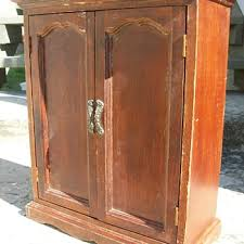 Cedar Wardrobe Armoire Dollhouse Furniture And Accessories Collectors Weekly