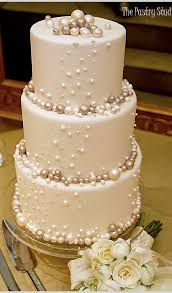 bubbly wedding cake or kinda looks like pearls either way its