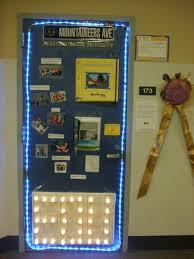 Sharing Ideas door decorating contest