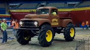 original grave digger monster truck the story behind grave digger the monster truck everybody s heard of