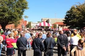 charlotte thanksgiving parade annual downtown events belmont nc