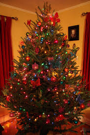 colored lights on christmasree decorating ideas